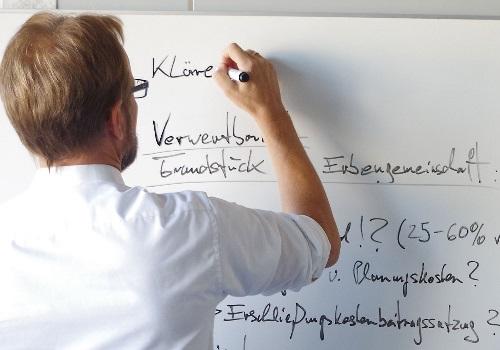 Wir beraten Fachgebietübergreifend - Neue Wege Immobilien in Friedberg und Augsburg